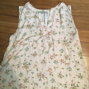 White flowered sleeveless Loft shirt.